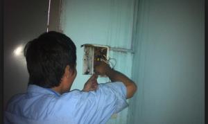 thợ sửa điện